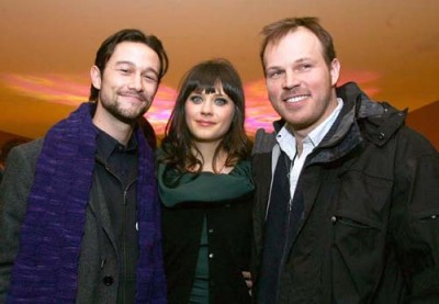Joseph Gordon-Levitt, Zooey Deschanel and director Marc Webb with a nice Utah sunset in the background.