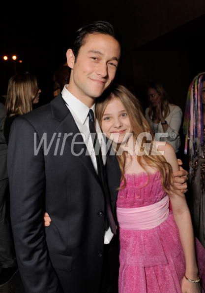Joseph Gordon-Levitt and Chloe Moretz, who plays Tom's astute sister
